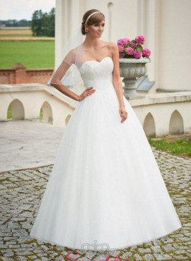 abito da sposa principesco per il 2017 con vita stretta e gonna ampia
