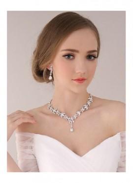 Collana sposa online con strass argento