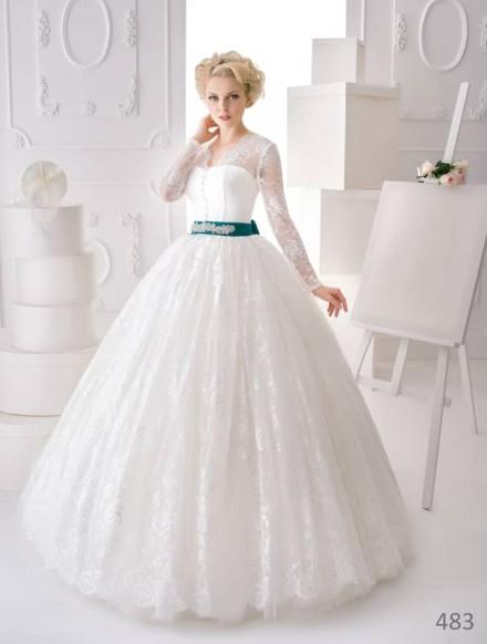Abito da sposa gonna ampia a principessa