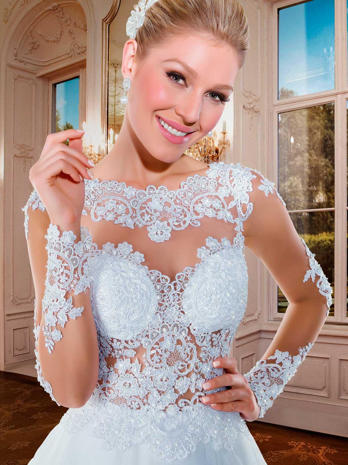8af906738c98 mindy- abito da sposa a palloncino online con corpetto ricamato in pizzo e  applicazioni con