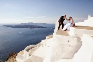 santorini-lisola-della-grecia-diventa-cornice-per-matrimoni