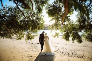 Beach-wedding-photo-Sydney-550x367