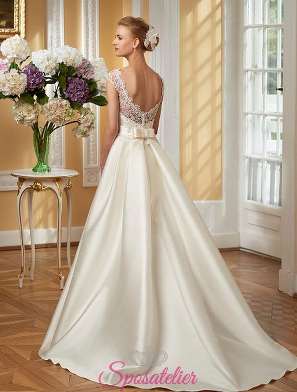 Molto abito da sposa online economico in raso con strascico lungoSposatelier HC68
