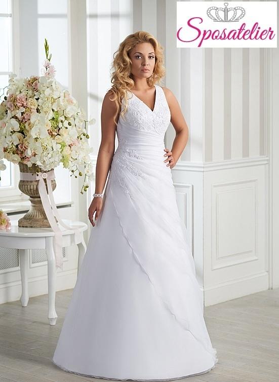 b685a58d6a65 vestiti da sposa taglie forti in raso con scollo a vSposatelier