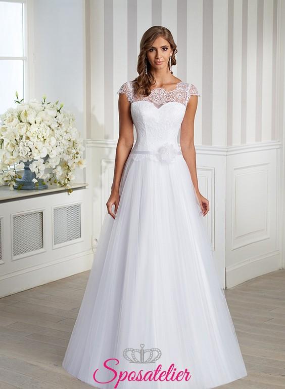 Eccezionale Abito da Sposa semplice e raffinato con fiore applicato Italia  TI88