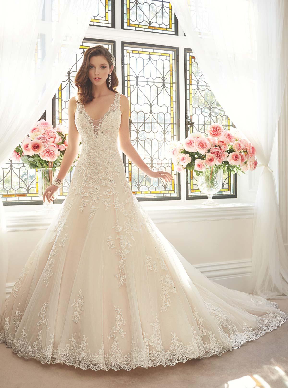 226ebf527c51 saidya- abiti da sposa colore rosato con pizzo Italia online economico