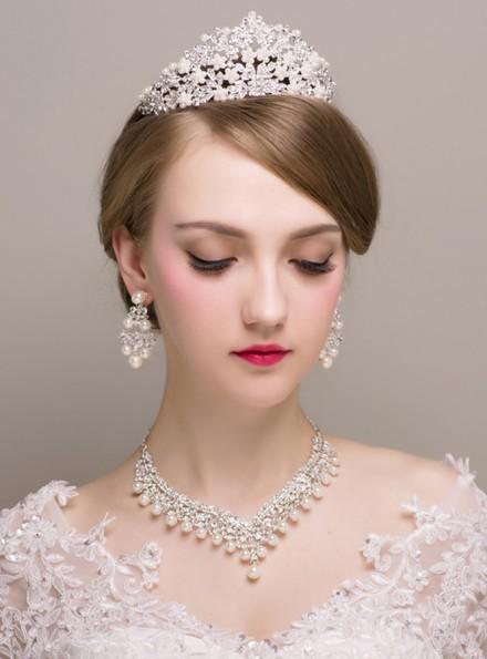 Diadema Orecchini e Collana con perline color argento