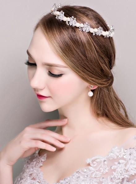 05-Cerchietto sposa impreziosito con strass e perline