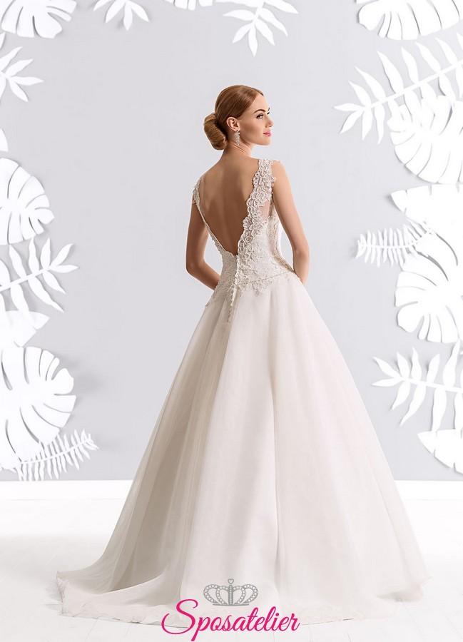 siti sicuri e affidabili per l acquisto di abiti da sposa on line italiani.  Vendita! 26666c8b0a2