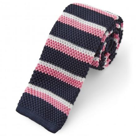 cravatta invernale a righe