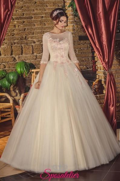 Vestito da Sposa Online Economico italia con applicazioni floreali