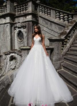 AKIRA – abiti da sposa in pizzo super principesco con scollo a cuore