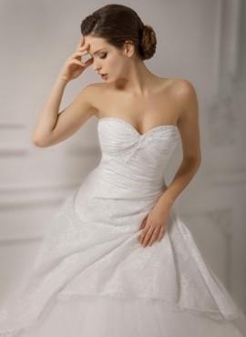 abito da sposa romantico pomposo Economico online  Nuova collezione 2017