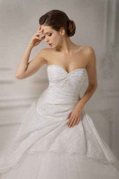 abito da sposa romantico pomposo Economico online  Nuova collezione