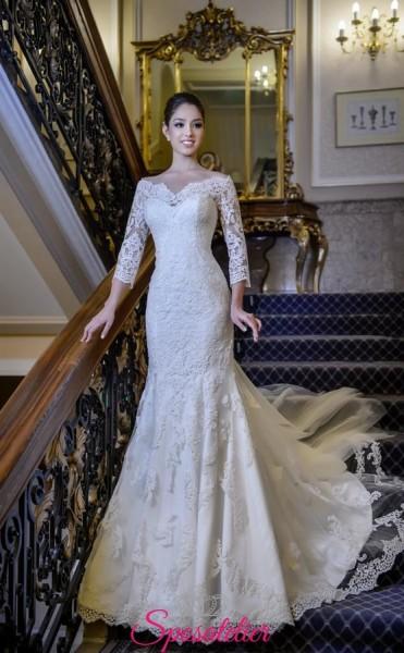 abiti da sposa a sirena con strascico lungo e maniche ricamate