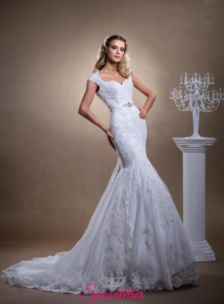 abiti da sposa a sirena con scollo a cuore e spalline schiena scoperta