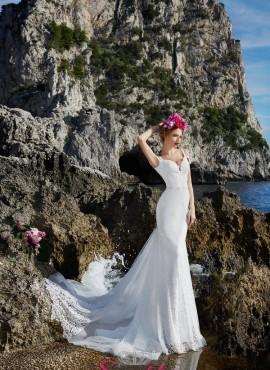 abito da sposa tendenza 2018 sirena di pizzo con strascico online