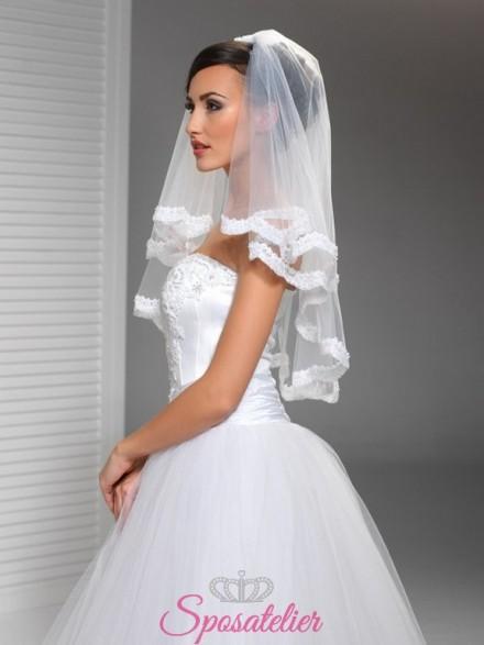 Velo sposa corto con calata e orlo in pizzo online economico