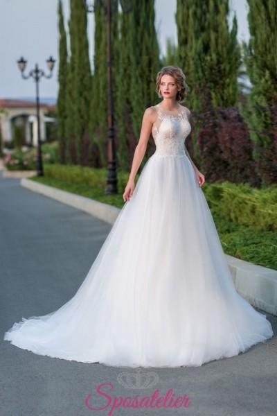 abiti da sposa sartoriali con gonna con strascico vendita online