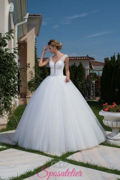 abiti da sposa on line economici con gonna di tulle vaporosa