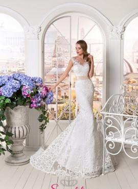 abiti da sposa in pizzo a sirena con cintura sartoria di Salerno