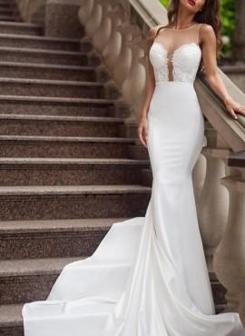 abiti da sposa a sirena con scollo profondo sensuale sartoria in Italia