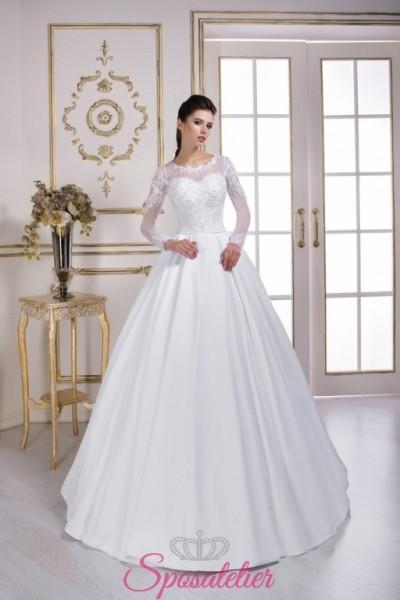 abiti da sposa con maniche lunghe di tulle e pizzo gonna ampia vendita online