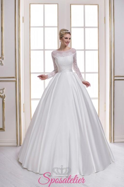9bccb20a9776 abiti da sposa con scollatura velata trasparente e maniche lunghe