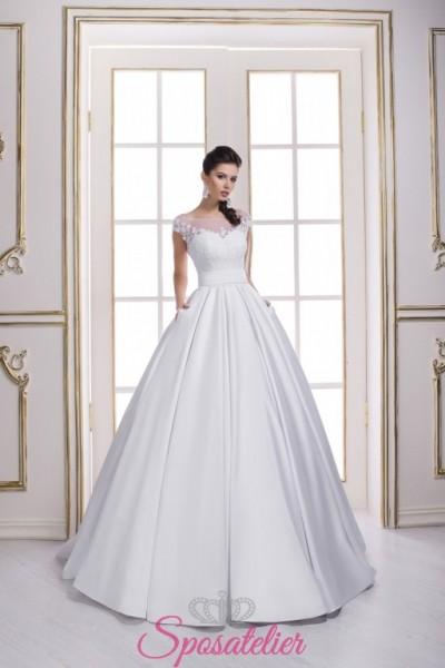 abiti da sposa con scollo trasparente velato e gonna ampia vendita online