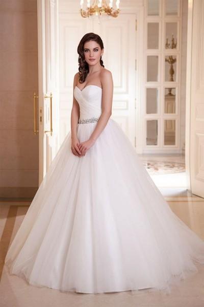 abito da sposa con scollo a cuore collezione 2018 on line