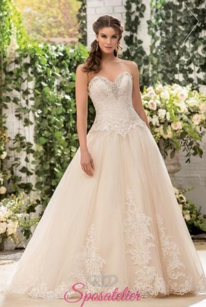 abiti da sposa colorati con applicazioni in pizzo nuova collezione 2018