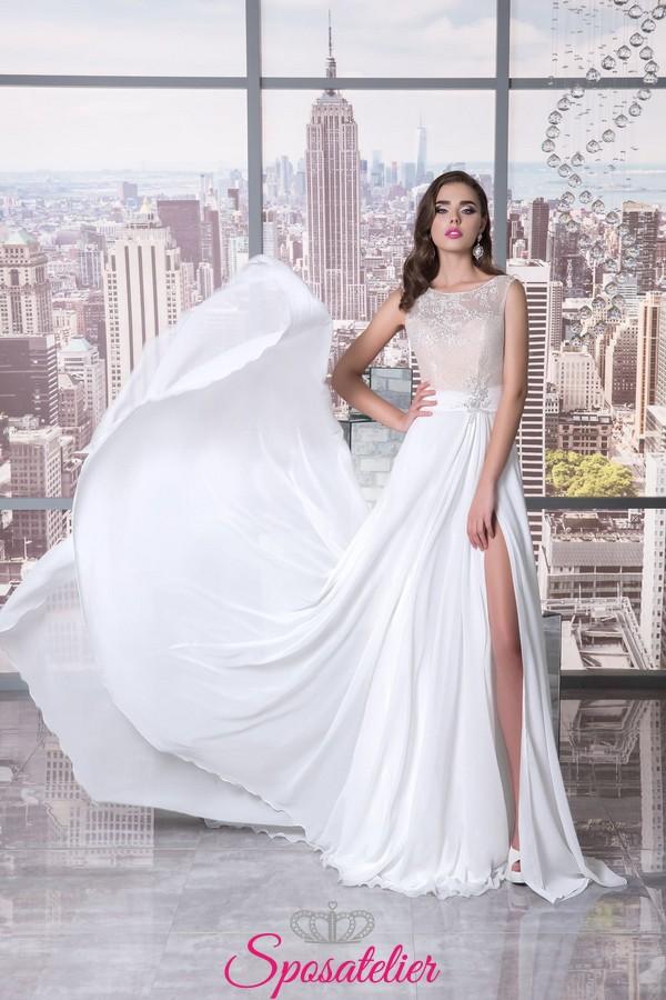Vestiti Da Sposa Con Spacco.Abito Da Sposa Con Spacco Moderno Per Ricevimento In Villasposatelier