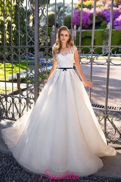 abiti da sposa nuove tendenze 2018 con cintura colorata economici sartoriali