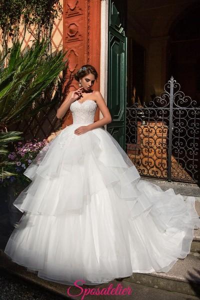 abiti da sposa con balze voluminosi e con strascico modelli 2018