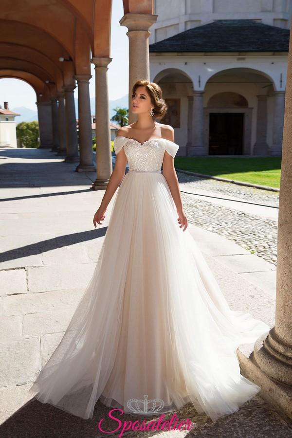 Vestiti Da Sposa Modelli.Abiti Da Sposa Con Spalline Calate A Barchetta Modelli 2018sposatelier