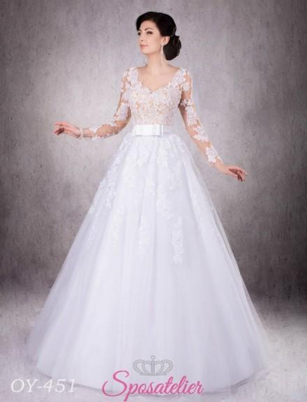 abito da sposa con cintura in vita e con maniche lunghe di pizzo economici