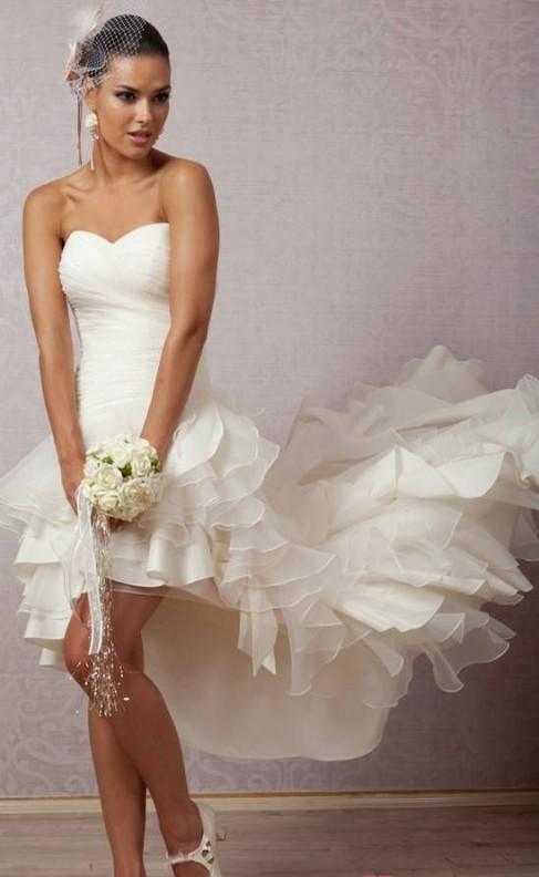 01dde65887a9 abiti da sposa corti con gonna asimmetrica online economico 2018. Vendita!