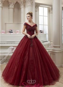abito da sposa bordeaux colore di tendenza 2018