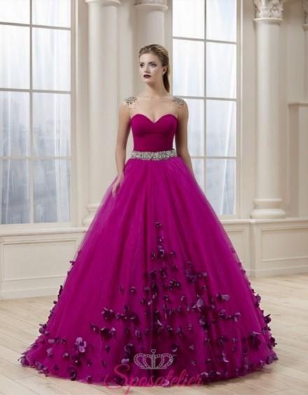 abito da sposa viola autunnale con petali colorato su misura