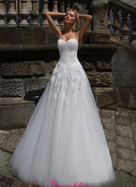 abiti da sposa 2018 tendenze ricamato in pizzo prezzi economici