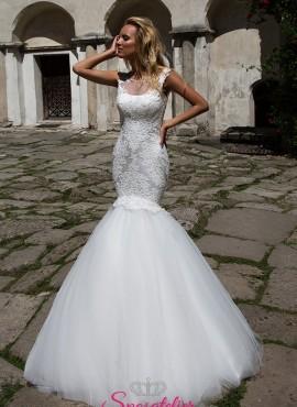 abito da sposa a sirena aderente fin sotto i fianchi
