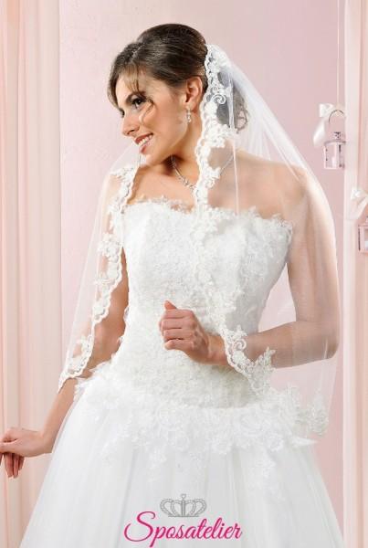velo da sposa corto online con bordo in pizzo ricamato a mano con perle