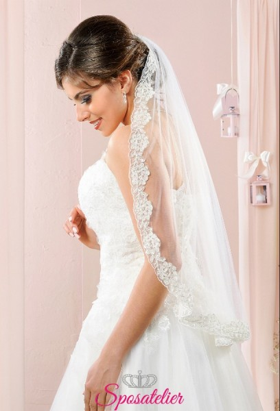 velo da sposa corto con bordo in pizzo rifinito con fili d'argento online 2018