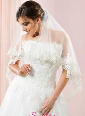 velo da sposa corto online 2018 bellissimo con orlo ricamato in pizzo