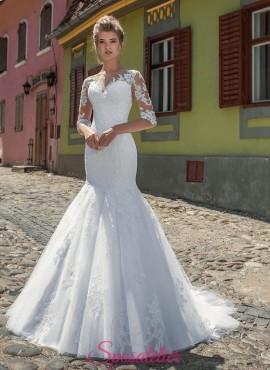 abito da sposa a sirena con maniche di pizzo ricamato