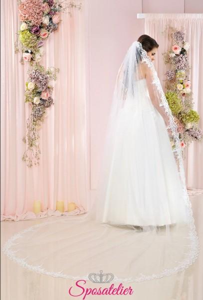 Velo da sposa lungo in tulle ricamato con bordo in pizzo vendita online