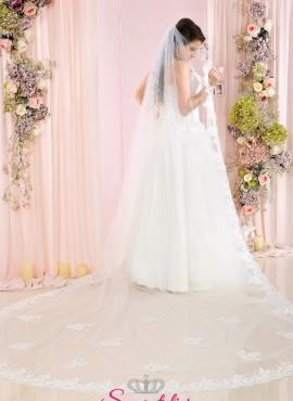 Velo da sposa lunghissimo 3 metri e mezzo in tulle ricamato con bordo in pizzo