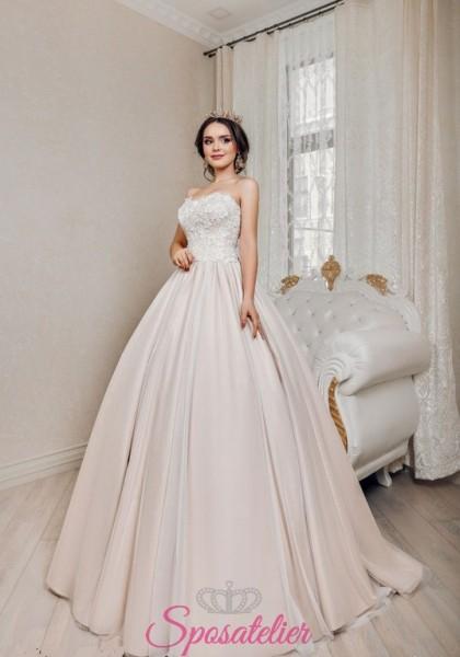 abiti da sposa principeschi con gonna colorata e corpetto in pizzo economici
