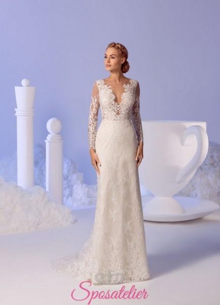abito da sposa con maniche lunghe riccamato in pizzo economico online