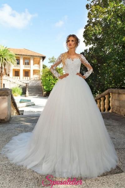 vestiti da sposa principessa con gonna ampia e maniche ricamate in pizzo